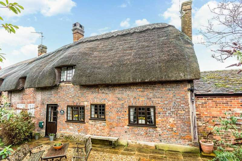 4 Bedrooms Cottage House for sale in Pitstone Green Cottages, Pitstone