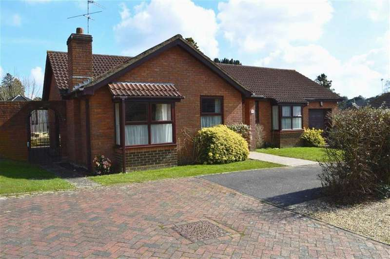 3 Bedrooms Detached Bungalow for sale in St Margarets Close, Wimborne, Dorset