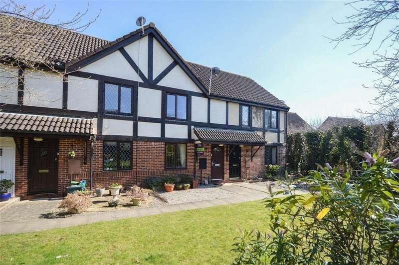 2 Bedrooms Terraced House for sale in Crozier Avenue, BISHOP'S STORTFORD, Hertfordshire
