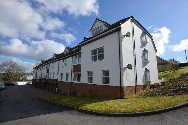 2 Bedrooms Flat for sale in Pine Gardens, Honiton, Devon