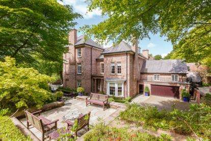 5 Bedrooms Detached House for sale in Crossley Park, New Pale Road, Kingswood, Frodsham, WA6