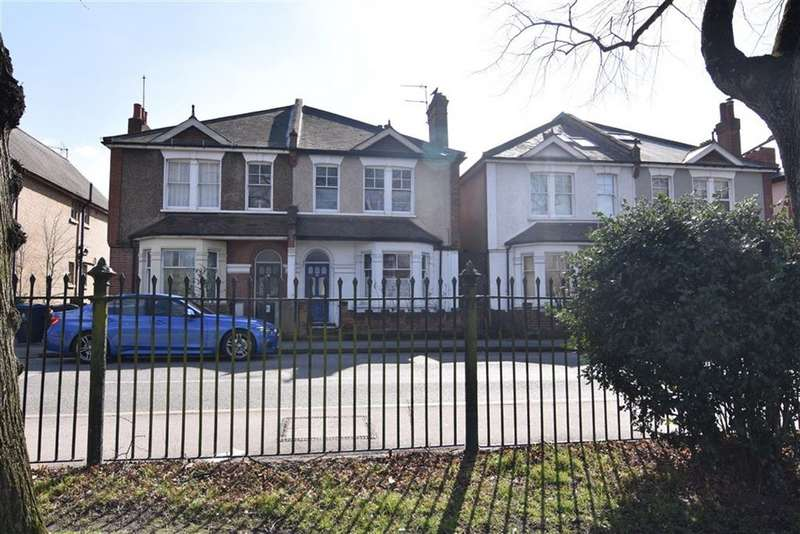 4 Bedrooms Semi Detached House for sale in Fairfield South, Kingston Upon Thames