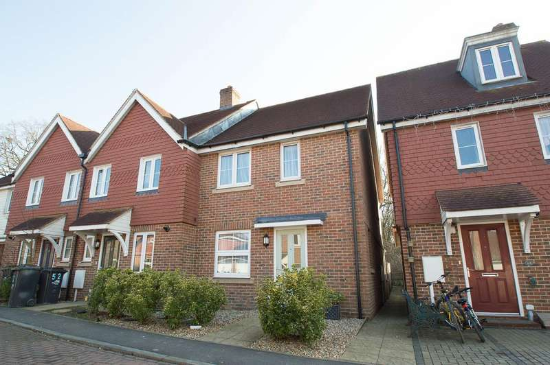 3 Bedrooms End Of Terrace House for sale in Gournay Road, Hailsham