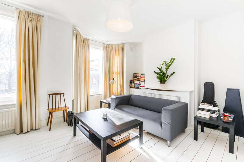 1 Bedroom Flat for sale in Goodall Road, Leyton, E11