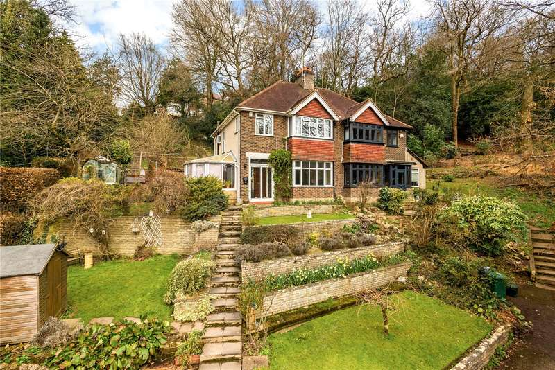 3 Bedrooms Semi Detached House for sale in Woodside Way, Redhill, Surrey, RH1