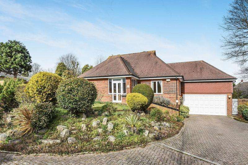 3 Bedrooms Detached House for sale in EWELL