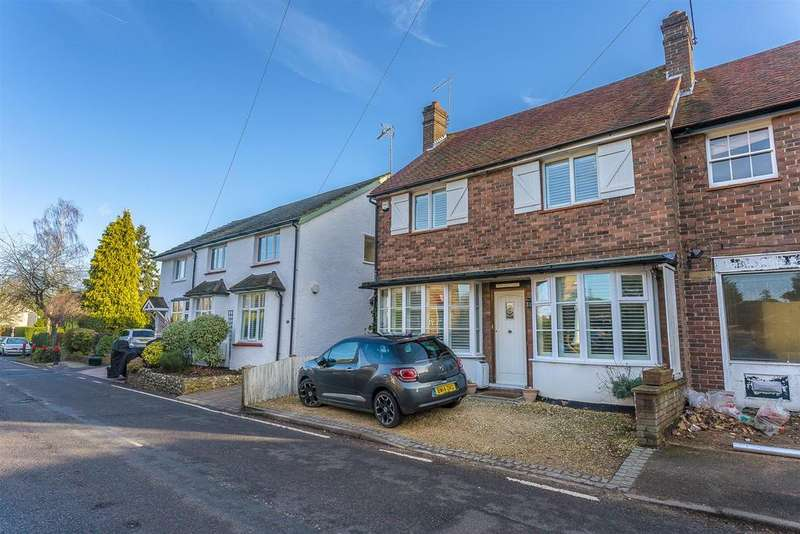 3 Bedrooms Semi Detached House for sale in High Road, Chipstead, Coulsdon