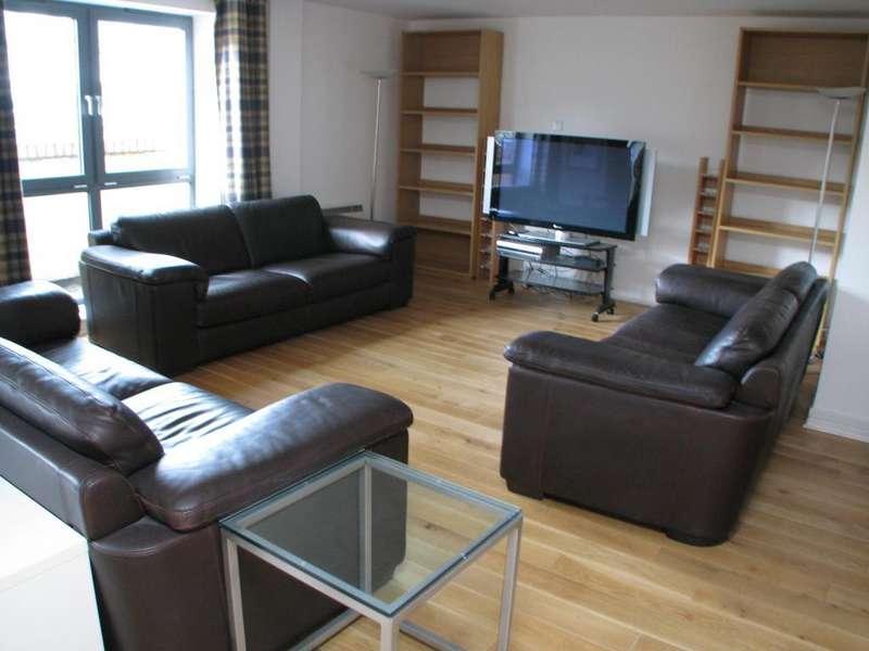 2 Bedrooms Flat for rent in Portland Place, Calverley Street, Leeds, West Yorkshire, LS1