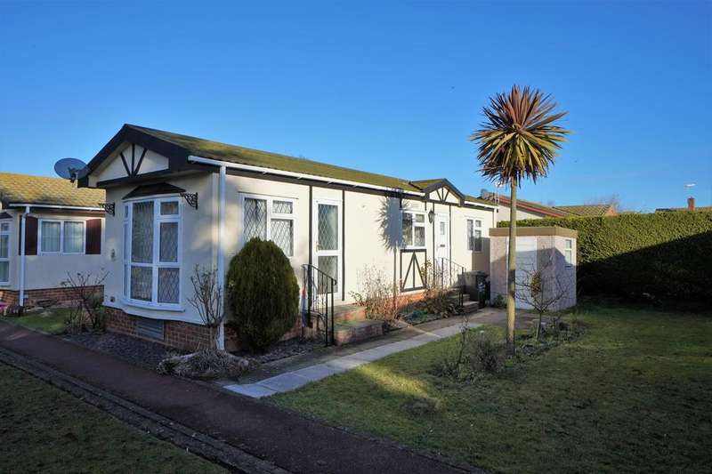 2 Bedrooms Park Home Mobile Home for sale in Court Mount, Canterbury Road, Birchington CT7