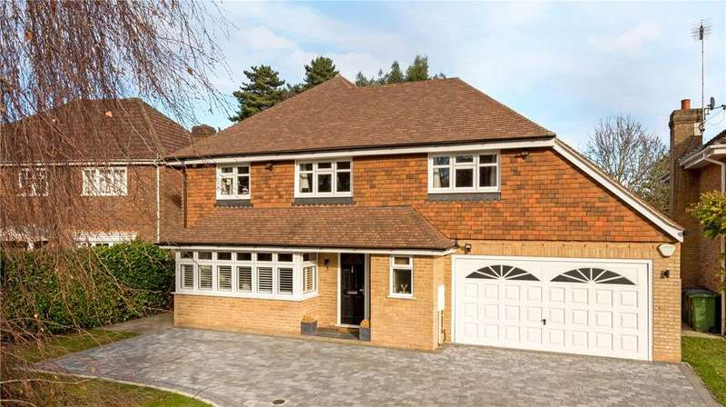 5 Bedrooms Detached House for sale in Ferndown Gardens, Cobham, Surrey, KT11