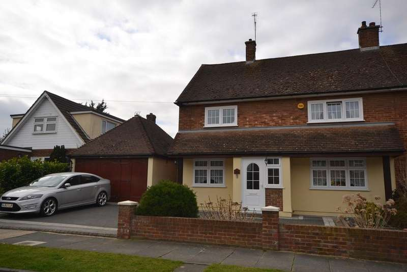 2 Bedrooms Semi Detached House for sale in Caldwell Road, Stanford-le-Hope, SS17