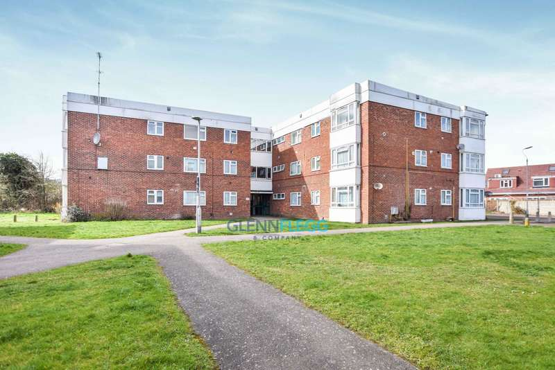 2 Bedrooms Flat for sale in Colnbrook, Langley