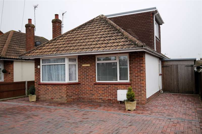 3 Bedrooms Detached House for sale in St Johns Road, Great Clacton