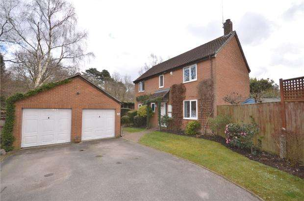 4 Bedrooms Detached House for sale in Leafield Copse, Bracknell, Berkshire