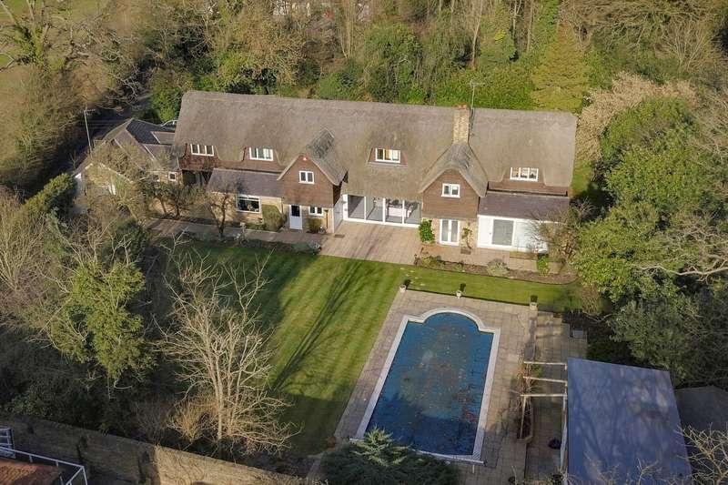 8 Bedrooms Detached House for sale in Fulmer Lane, Gerrards Cross, SL9