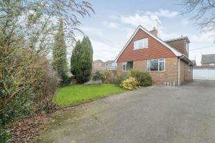4 Bedrooms Detached House for sale in Borers Arms Road, Copthorne, West Sussex