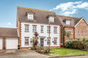 5 Bedrooms Detached House for sale in Cropthorne Drive, Horsemere Green, Climping, West Sussex