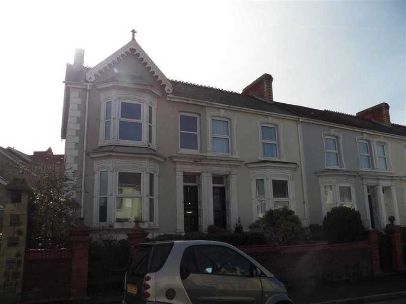 3 Bedrooms End Of Terrace House for sale in Glenalla Road, Llanelli