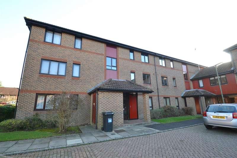 Flat for sale in Oakside Court, Horley