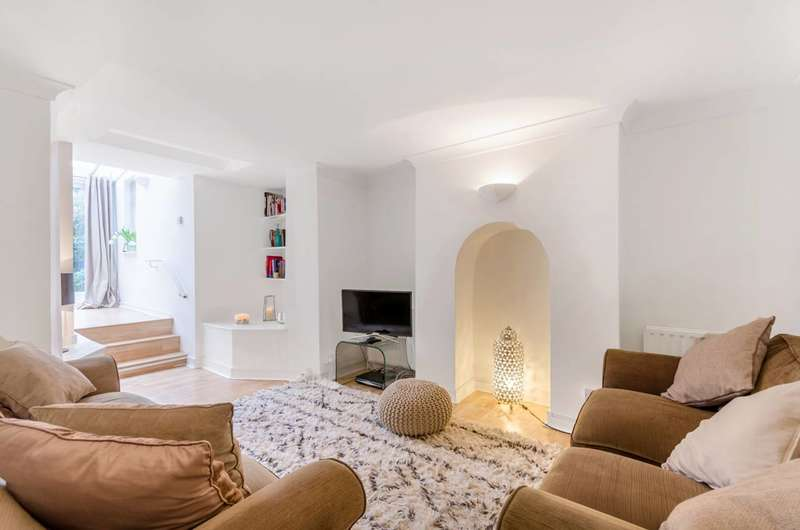 2 Bedrooms Maisonette Flat for sale in Kingston Road, Wimbledon, SW19