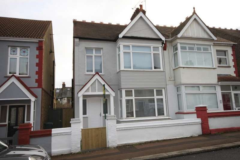 3 Bedrooms Semi Detached House for sale in Westbourne Grove, Westcliff-on-Sea