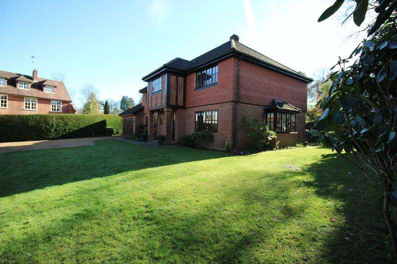 4 Bedrooms Detached House for sale in Wood Road, Hindhead