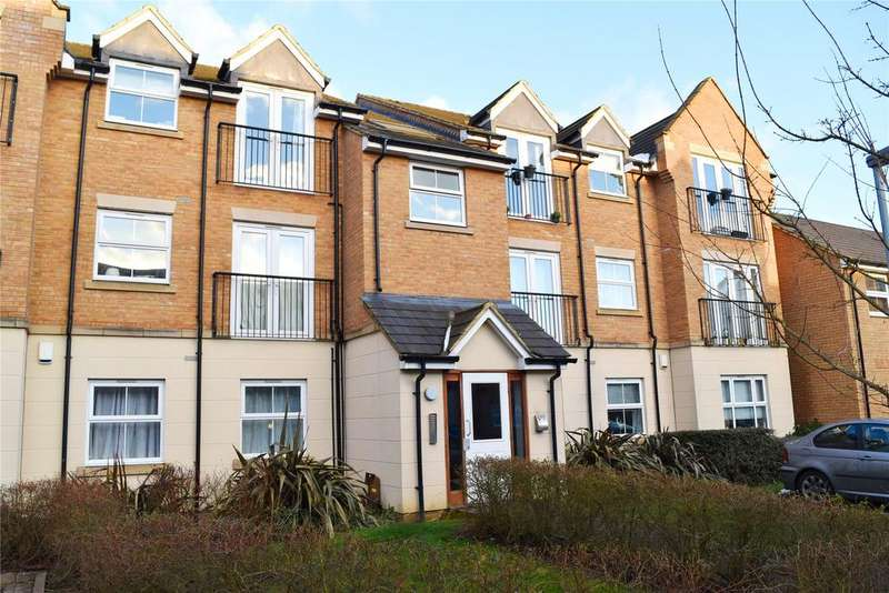 2 Bedrooms Apartment Flat for sale in Eagle Close, Leighton Buzzard