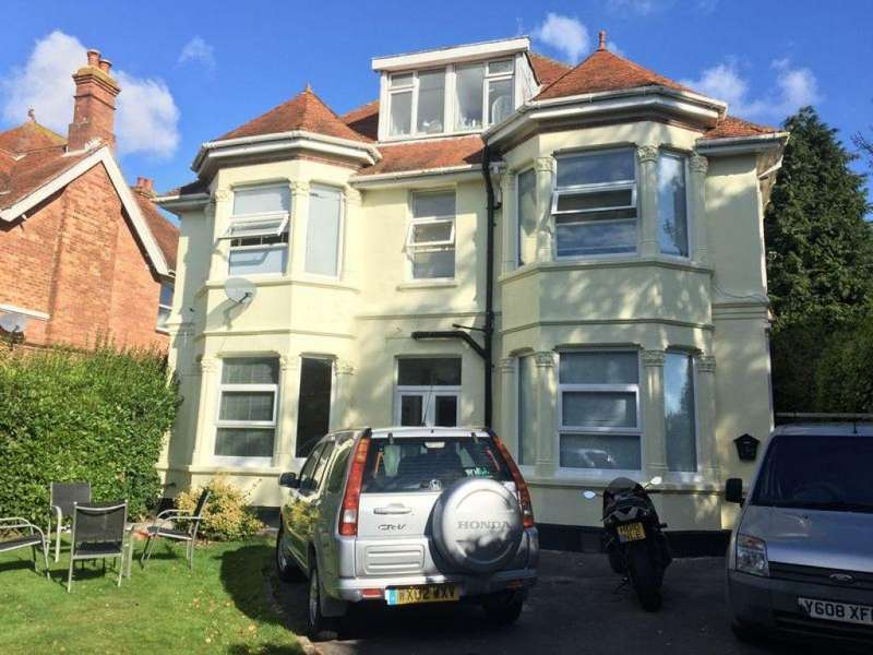 Studio Flat for rent in Lowther Road