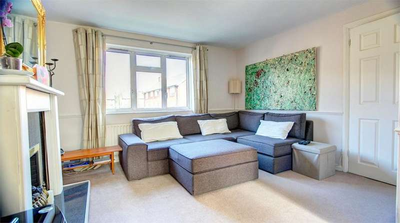 3 Bedrooms Flat for sale in Turpington Lane, Bromley, Kent