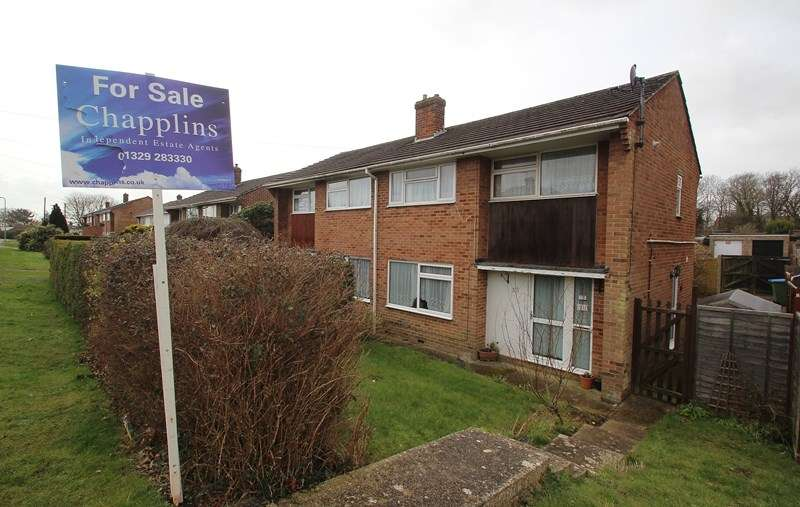 3 Bedrooms Semi Detached House for sale in Hill Park Road, Fareham