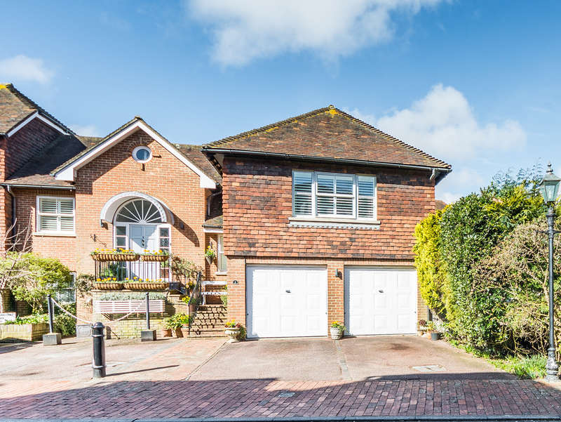 3 Bedrooms Maisonette Flat for sale in Tarrant Wharf, Arundel