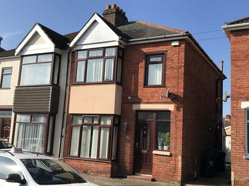 3 Bedrooms Semi Detached House for sale in Kensington Road, Gosport PO12