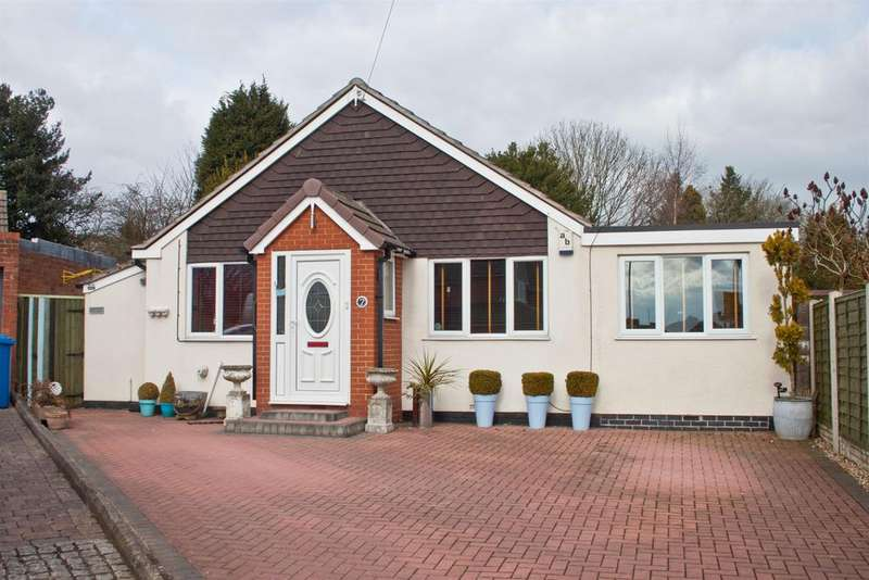 2 Bedrooms Bungalow for sale in Park Avenue, Burntwood, WS7 0EG