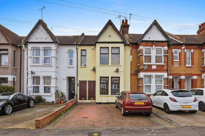 2 Bedrooms Apartment Flat for sale in Surbiton Road, Southend-On-Sea