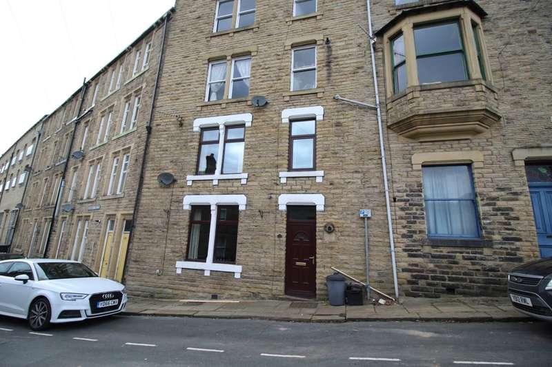 2 Bedrooms Terraced House for sale in Hangingroyd Road, Hebden Bridge, HX7