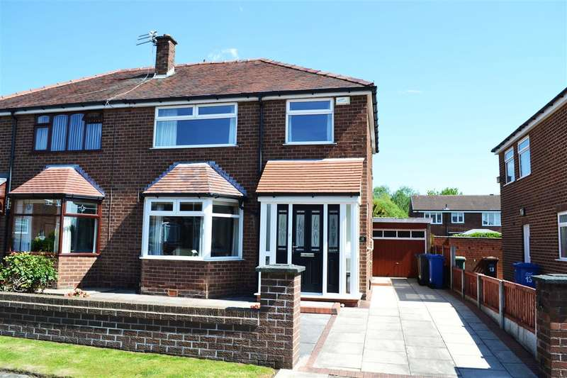 3 Bedrooms Semi Detached House for sale in Meynell Drive, Pennington, Leigh