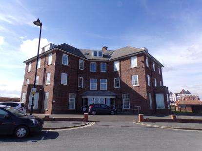 1 Bedroom Flat for sale in Royal Crescent, Whitby, North Yorkshire