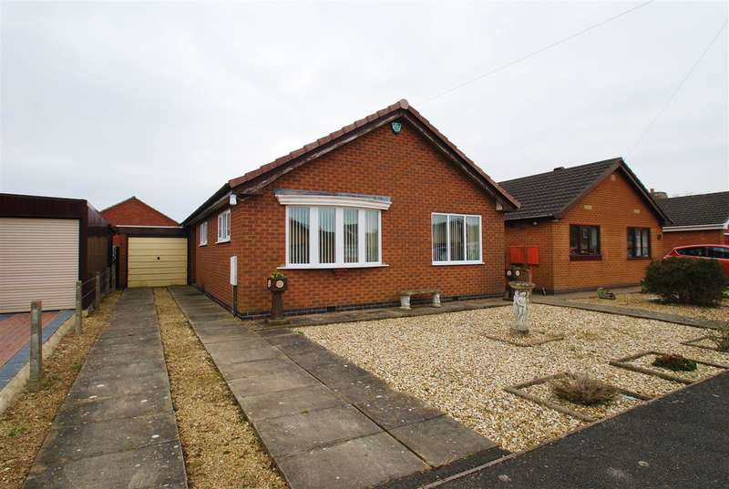 2 Bedrooms Bungalow for sale in St Valentines Way, Skegness