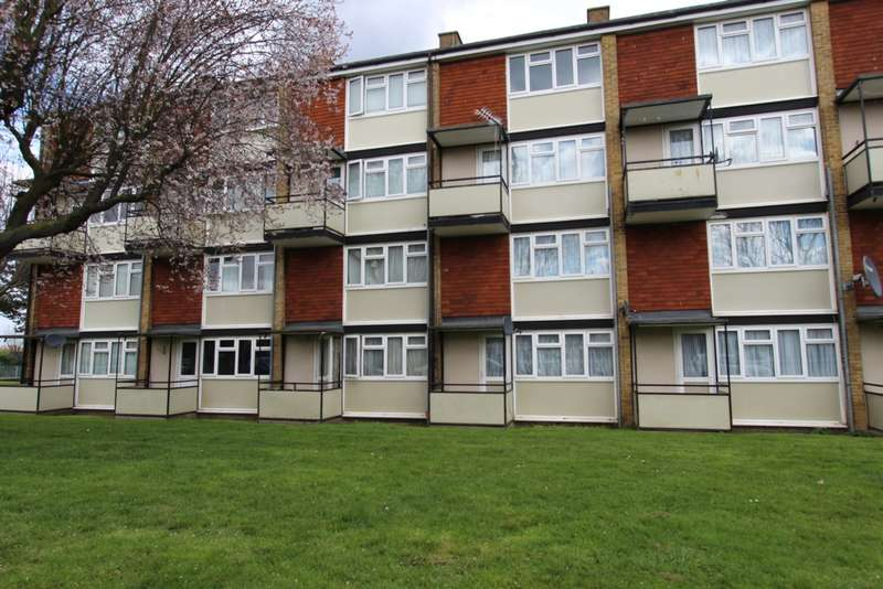 2 Bedrooms Flat for sale in Longheath Gardens, Croydon, CR0