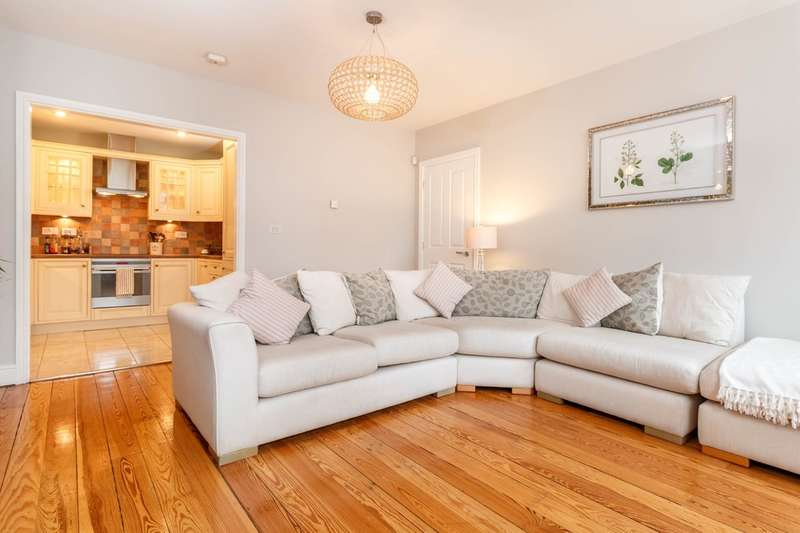 2 Bedrooms Flat for sale in The Chambers, 2-6 Booth Street, Manchester