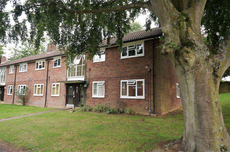 1 Bedroom Apartment Flat for sale in Harwood Hill, WEST SIDE, Welwyn Garden City