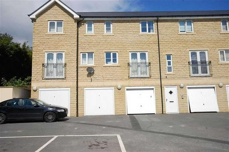 2 Bedrooms Apartment Flat for rent in Longley Gardens, Greetland, Halifax, HX4