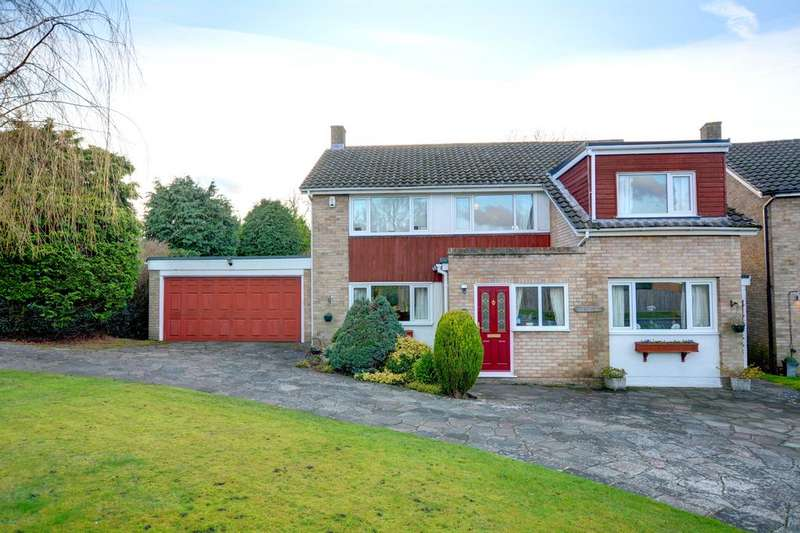 4 Bedrooms Detached House for sale in Drayton Avenue, Orpington BR6