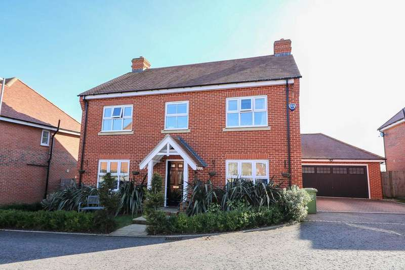 5 Bedrooms Detached House for sale in Bell Hill Close, Billericay CM12