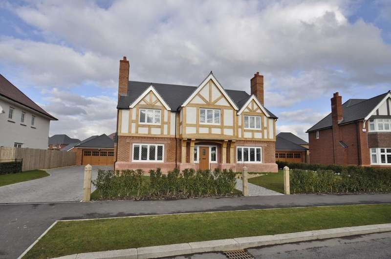 5 Bedrooms Detached House for sale in Lancastrian Way, Woodford