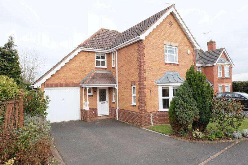 4 Bedrooms Detached House for sale in Southall Drive, Hartlebury DY11 7LD