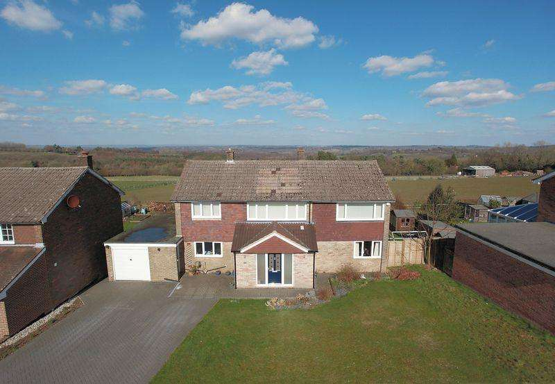 5 Bedrooms Detached House for sale in Pleasant View Road, Crowborough, East Sussex