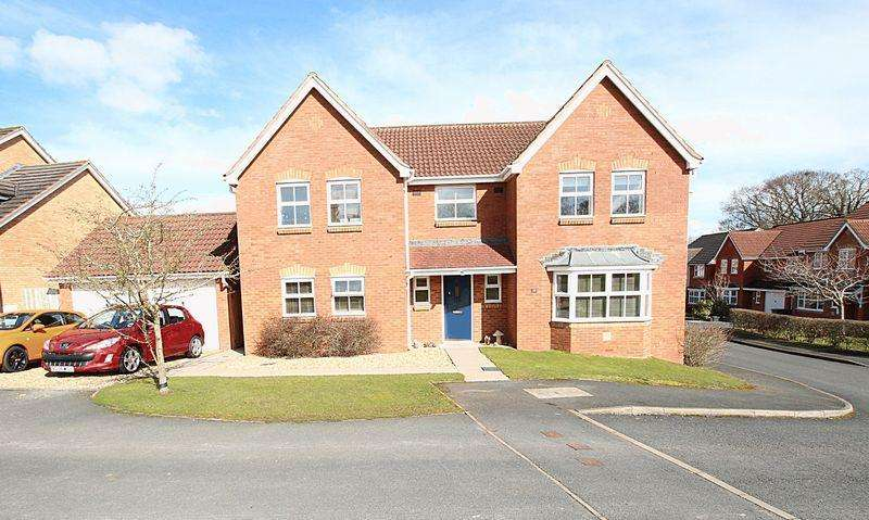 4 Bedrooms Detached House for sale in CANTERBURY CLOSE