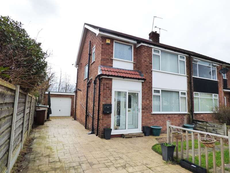 3 Bedrooms Semi Detached House for sale in Cartmel Close, Hazel Grove, Stockport, SK7
