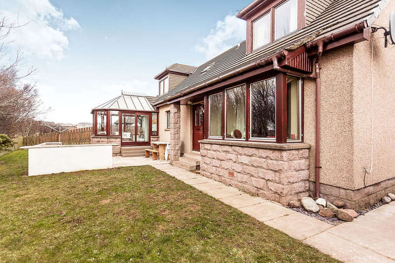 4 Bedrooms Detached House for sale in Croftlands, St. Cyrus, Montrose, DD10